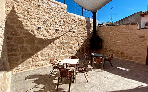 Patio exterior Casa Rural La Hoguera Castelseras